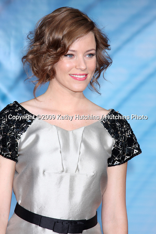 Elizabeth Banks.arriving at the Surrogates Premiere.El Capitan Theater.Los Angeles, CA.September 24, 2009.©2009 Kathy Hutchins / Hutchins Photo.