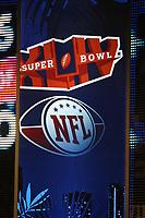Logo des Super Bowl und der NFL<br /> NFL Hall of Fame PK *** Local Caption *** Foto ist honorarpflichtig! zzgl. gesetzl. MwSt. Auf Anfrage in hoeherer Qualitaet/Aufloesung. Belegexemplar an: Marc Schueler, Alte Weinstrasse 1, 61352 Bad Homburg, Tel. +49 (0) 151 11 65 49 88, www.gameday-mediaservices.de. Email: marc.schueler@gameday-mediaservices.de, Bankverbindung: Volksbank Bergstrasse, Kto.: 52137306, BLZ: 50890000
