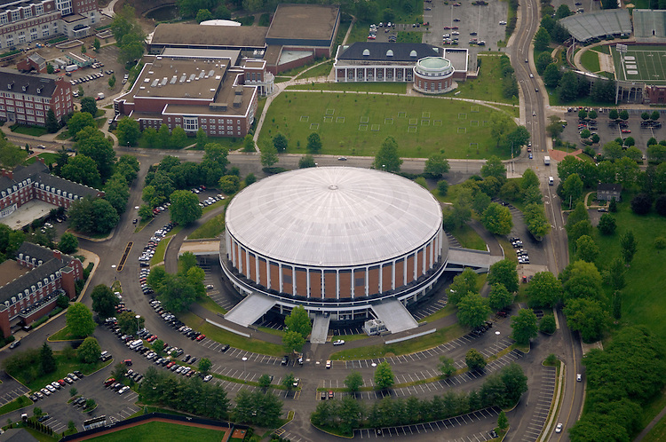 Aerial view of the Convocation Center, Bicentennial Park, Grover Center, and Walter Hall. © Ohio University