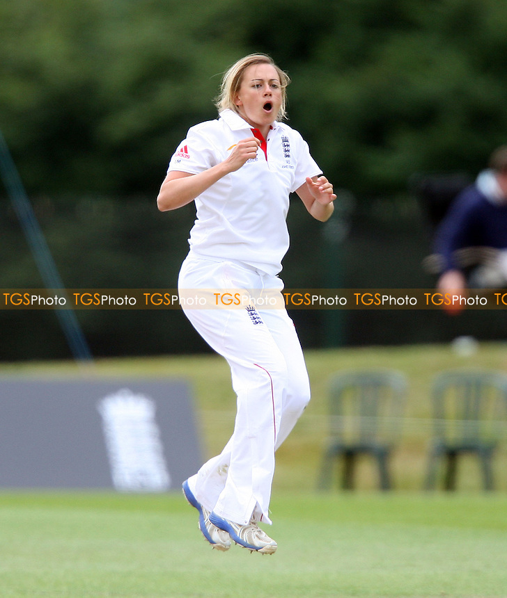 L Marsh of England goes close to a wicket - England Women vs Australia Women, Day 4 of Womens Ashes Test Match Series at Wormsley - 14/08/13 - MANDATORY CREDIT: Rob Newell/TGSPHOTO - Self billing applies where appropriate - 0845 094 6026 - contact@tgsphoto.co.uk - NO UNPAID USE