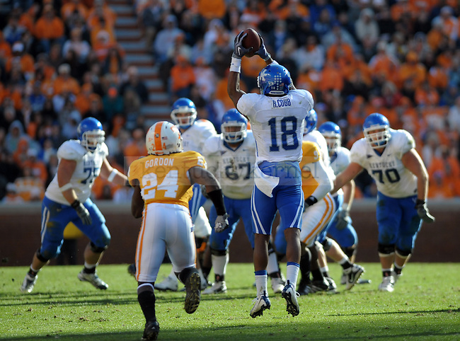 Kentucky Wildcats wide receiver Randall Cobb makes a catch during the second half of the University of Kentucky's game against Tennessee at Neyland Stadium in Knoxville, Tn., on 11/27/10. UK lost the game 24-14. Photo by Mike Weaver | Staff