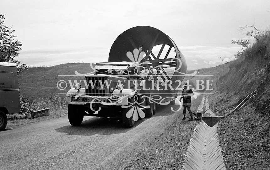 1971. Transport van Sitra in Afrika.