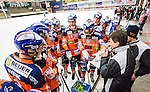 V&auml;ster&aring;s 2014-12-21 Bandy Elitserien Tillberga Bandy - Bolln&auml;s GIF :  <br /> Bolln&auml;s tr&auml;nare huvudtr&auml;nare Joakim Jocke Forslund och Bolln&auml;s spelare Andreas Westh i aktion under en timeout i matchen mellan Tillberga Bandy och Bolln&auml;s GIF <br /> (Foto: Kenta J&ouml;nsson) Nyckelord:  Bandy Elitserien ABB Arena Syd Tillberga TB V&auml;ster&aring;s Bolln&auml;s GIF Giffarna timeout tr&auml;nare manager coach
