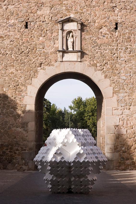 Sebastian Enrique Carbahal, sculptures, exhibited in the city of Toledo Spain, 2008