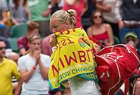 London, England, 2 July, 2016, Tennis, Wimbledon, Kiki Bertens (NED) leaves the centercourt<br /> Photo: Henk Koster/tennisimages.com
