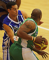 Troy McLean tries to stop Kantrail Horton during the NBL Round 14 match between the Manawatu Jets  and Wellington Saints. Arena Manawatu, Palmerston North, New Zealand on Saturday 31 May 2008. Photo: Dave Lintott / lintottphoto.co.nz