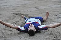 FIERLJEPPEN: POLSBROEKERDAM: 24-08-2013, NK Fierljeppen, Thewis Hobma blij na zijn overwinning, ©foto Martin de Jong