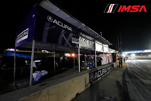 IMSA WeatherTech SportsCar Championship<br /> Motul Petit Le Mans<br /> Road Atlanta, Braselton GA<br /> Saturday 7 October 2017<br /> 86, Acura, Acura NSX, GTD, Oswaldo Negri Jr., Jeff Segal, Tom Dyer, 93, Acura, Acura NSX, GTD, Andy Lally, Katherine Legge, Mark Wilkins, empty pit box<br /> World Copyright: Michael L. Levitt<br /> LAT Images