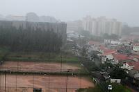 São Paulo SP,25.03.2016 -CLIMA TEMPO - Chuva cai no bairro do Ipiranga Zona Sul de SP nesta Sexta -Feira (25).Foto:( Carlos Pessuto/Brazil Photo Press)