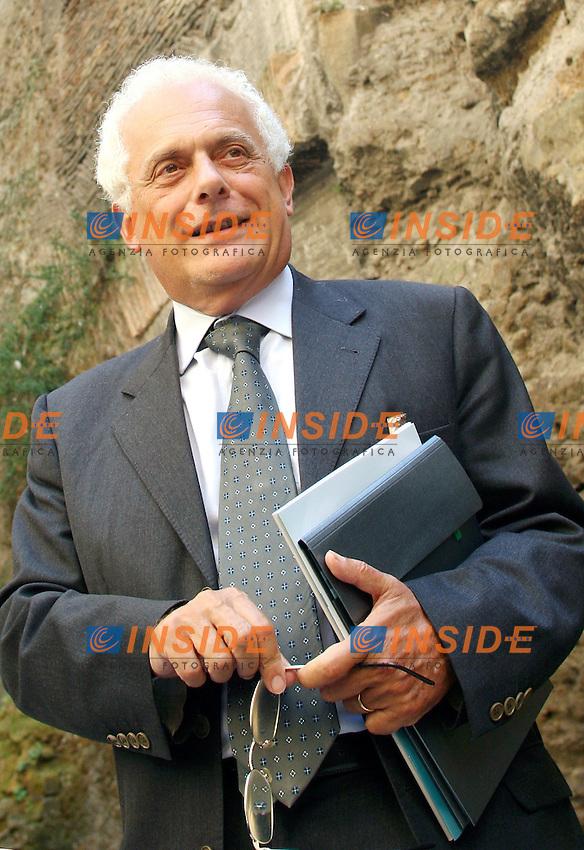 Roma 21-09-2006 Agenzia del Demanio:Presentazione del Portale Demanio Real Estate<br /> Nella foto il vice ministro dell'Economia Vincenzo Visco<br /> Photo Serena Cremaschi Inside