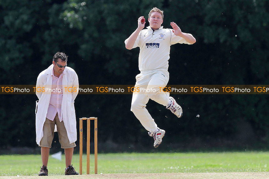 Williams in bowling action for Gidea Park & Romford - Hornchurch CC 5th XI (batting) vs Gidea Park & Romford CC 5th XI - Essex Cricket League - 30/07/11 - MANDATORY CREDIT: Gavin Ellis/TGSPHOTO - Self billing applies where appropriate - 0845 094 6026 - contact@tgsphoto.co.uk - NO UNPAID USE.