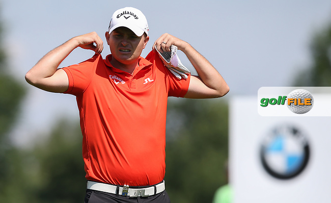 No weight or chip on the shoulders of James Morrison (ENG) during Round Two of the 2015 BMW International Open at Golfclub Munchen Eichenried, Eichenried, Munich, Germany. 26/06/2015. Picture David Lloyd | www.golffile.ie