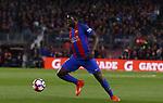Umtiti  en el partido de liga entre el FC Barcelopna contra el Valencia en el Camp Nou
