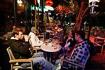20080109 - France - Aquitaine - Pau<br /> LES CAFES DU BOULEVARD DES PYRENEES A PAU, TRES ANIMES.<br /> Ref : PAU_061.jpg - © Philippe Noisette.