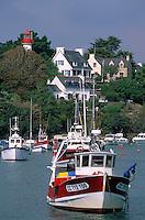 Europe/France/Bretagne/29/Finistère/Doelan: Le port de pêche et son phare