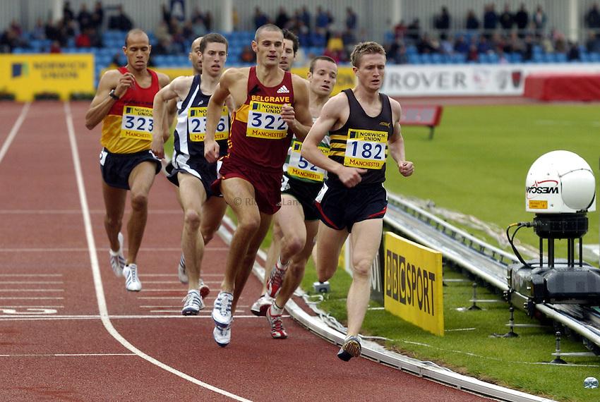 Photo: Richard Lane..Norwich Union Olympic and AAA Championships, Manchester Regional Stadium. 10/07/2004..Mens 800m heats, Lt. - Rt. Darren St. Clair, Neil Speight and Joel Kidger