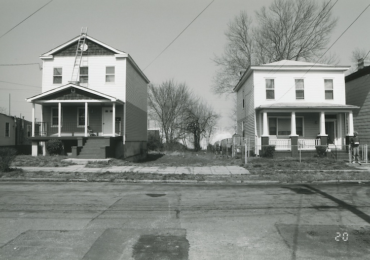 1994 April 01..Conservation.Central Brambleton.Street Study Maltby Avenue..721 Maltby Avenue (West Side).Vacant lot between 721 & 717 Maltby Avenue...NEG#.NRHA#.04/94  CONSERV: CBramb  2  20:20  20..