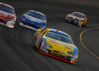 Apr 22, 2006; Phoenix, AZ, USA; Nascar Nextel Cup driver Bobby Labonte of the (43) Cheerios/Betty Crocker Dodge Charger leads a pack of cars during the Subway Fresh 500 at Phoenix International Raceway. Mandatory Credit: Mark J. Rebilas-US PRESSWIRE Copyright © 2006 Mark J. Rebilas.