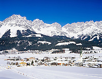 Austria, Tyrol, Kaiserwinkl, Ellmau: Wintersport resort and Wilder Kaiser mountains