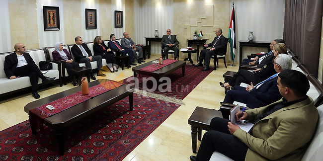 Palestinian Prime Minister, Rami Hamdallah, meets with businessman Munib al-Masri, in the West Bank city of Ramallah, on May 4, 2017. Photo by Prime Minister Office