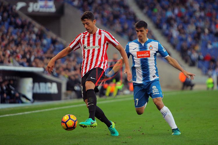 League Santander 2016/2017. Game: 11.<br /> RCD Espanyol vs Athletic Club: 0-0.<br /> Mikel Vesga vs Gerard Moreno.