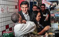 SAO PAULO, SP, 07 AGOSTO 2012 - ELEICOES SP - GABRIEL CHALITA -  O candidato a prefeitura de Sao Paulo pelo PMDB Gabriel Chalita durante caminhada no bairro do Bras na regiao central da capital paulista, nesta terca-feira, 07. (FOTO: MARCOS MORAES / BRAZIL PHOTO PRESS).