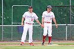 Mannheim 21.05.2008, Baseball 1. Bundesliga,  Tornados Mannheim - Mainz Athletics, Gl&uuml;ckw&uuml;nsche von Mannheims Trainer Georg Bull f&uuml;r den Schlag und Lauf von William Hess<br /> <br /> Foto &copy; Rhein-Neckar-Picture *** Foto ist honorarpflichtig! *** Auf Anfrage in h&ouml;herer Qualit&auml;t/Aufl&ouml;sung. Belegexemplar erbeten.