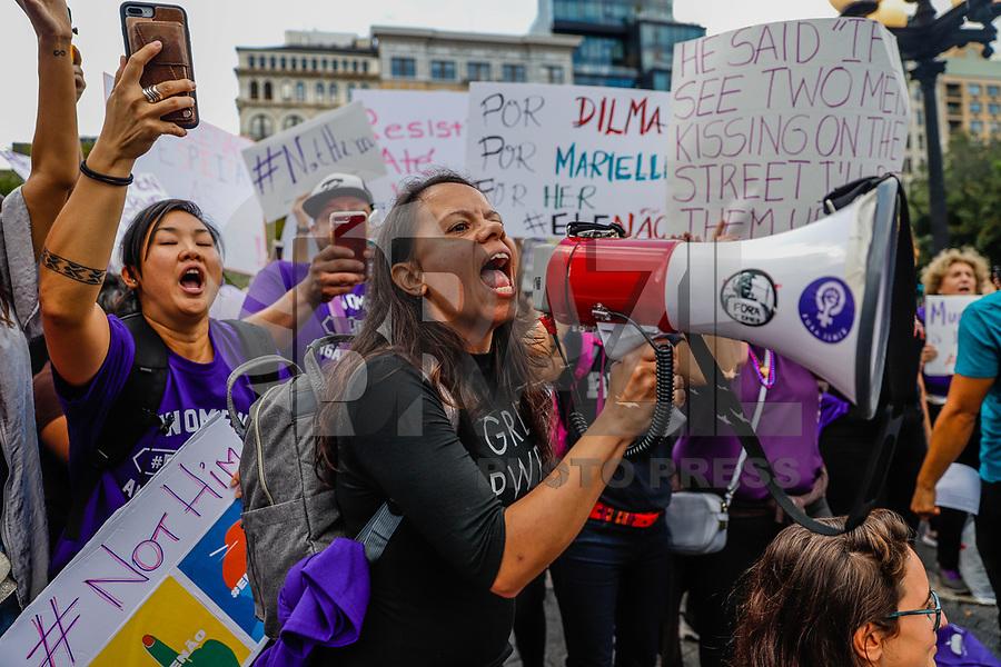 NOVA YORK, EUA, 29.09.2018 - PROTESTO-NOVA YORK - Manifestantes durante protesto #ELENAO contra o candidato à presidência do Brasil, Jair Bolsonaro na cidade de Nova York nos Estados Unidos neste sábado, 29. (Foto: William Volcov/Brazil Photo Press)