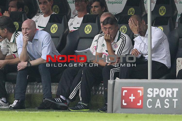 27.07.2013, Signal Iduna Park, Dortmund, GER, 1. FBL, SuperCup, Borussia Dortmund vs FC Bayern M&uuml;nchen, im Bild<br /> Matthias Sammer (Sportvorstand Bayern Muenchen) (li.) und Josep Pep Guardiola (Trainer Muenchen) entaeuscht / ent&auml;uscht / traurig<br /> <br /> Foto &copy; nph / Mueller
