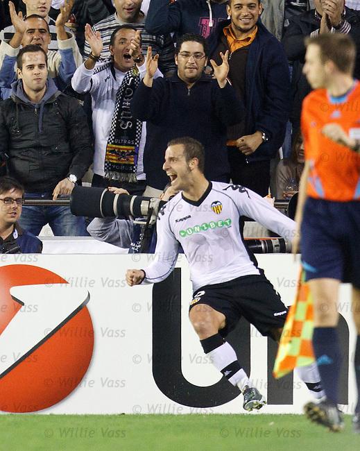 Roberto Soldado celebrates his second goal for Valencia