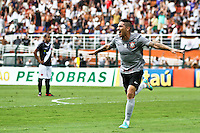 ATENÇÃO EDITOR: FOTO EMBARGADA PARA VEÍCULOS INTERNACIONAIS SÃO PAULO,SP,27 OUTUBRO 2012 - CAMPEONATO BRASILEIRO - CORINTHIANS x VASCO -Guerrero jogador do Corinthians comemora gol durante partida Corinthians x Vasco válido pela 33º rodada do Campeonato Brasileiro no Estádio Paulo Machado de Carvalho (Pacaembu), na região oeste da capital paulista na tarde deste sabado (27).(FOTO: ALE VIANNA -BRAZIL PHOTO PRESS).