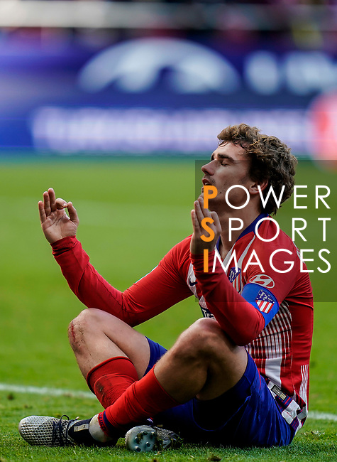 Antoine Griezmann of Atletico de Madrid celebrates scoring team's second goal during the La Liga 2018-19 match between Atletico de Madrid and Deportivo Alaves at Wanda Metropolitano on December 08 2018 in Madrid, Spain. Photo by Diego Souto / Power Sport Images