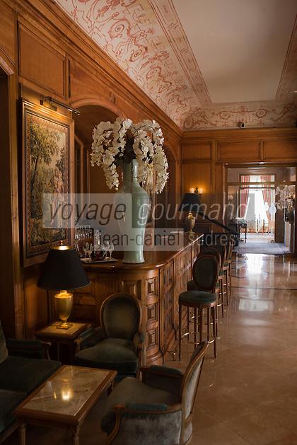 Europe/France/Provence-Alpes-Côte d'Azur/06/Alpes-Maritimes/Beaulieu-sur-Mer: Hôtel: La Réserve de Beaulieu - le bar [Non destiné à un usage publicitaire - Not intended for an advertising use]