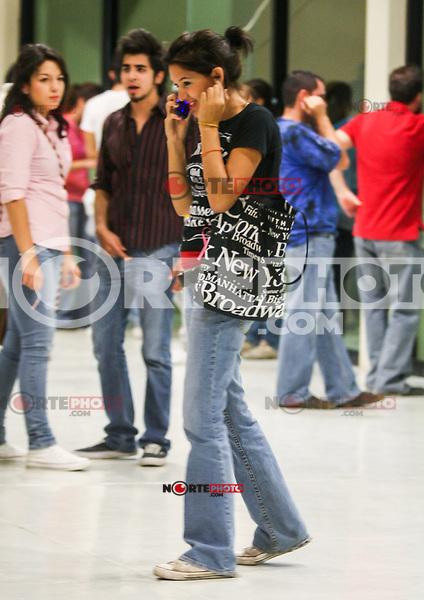 Carolina Soto<br /> Rueda de Prensa de Jaguares en el CUM.<br />  17/06/2010<br /> ( foto: Luis Gutierrez/NortePhoto)