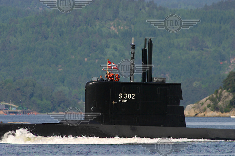 KNM Utstein. The Ula class is a Norwegian submarine type which was assembled in Germany in the late 1980s and early 1990s. The class, consisting of 6 vessels, is currently the only submarine type in service with the Royal Norwegian Navy.