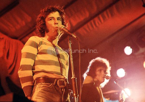 The Sensdational Alex Harvey Band Reading Festival, Reading UK 23 August 1974. Credit: Ian Dickson/MediaPunch