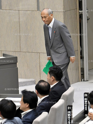 June 7, 2016, Tokyo, Japan - Gov. Yoichi Masuzue of Tokyo walks into the main chamber of the Tokyo Metropolitan Assembly for a question-and-answer session at the City Hall on Tuesday, June 7, 2016. Masuzue was grilled for his improper use of political funds during the session. Masuzoe said on Monday that he will remain in the office after an investigation report found the use of 4.4 million yen political funds was improper but not illegal.  (Photo by Natsuki Sakai/AFLO) AYF -mis-