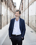 The Venice Biennale announced that Ralph Rugoff, director of London&rsquo;s Hayward Gallery since 2006, will be curator of the 58th Venice Biennale, in 2019.<br />