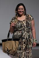SAO PAULO, SP, 21.07.2013 - FWPS - VERÃO 2013/14 -  Modelo durante desfile da grife Pernambucanas no Fashion Weekend Plus Size no Memorial da América Latina região oeste de São Paulo, neste domingo, 21 (Foto: Vanessa Carvalho / Brazil Photo Press).