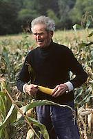 Europe/France/Midi-Pyrénées/46/Lot/Causse de Rocamadour/Rocamadour: Récolte du maïs [Non destiné à un usage publicitaire - Not intended for an advertising use]<br /> PHOTO D'ARCHIVES // ARCHIVAL IMAGES<br /> FRANCE 1980