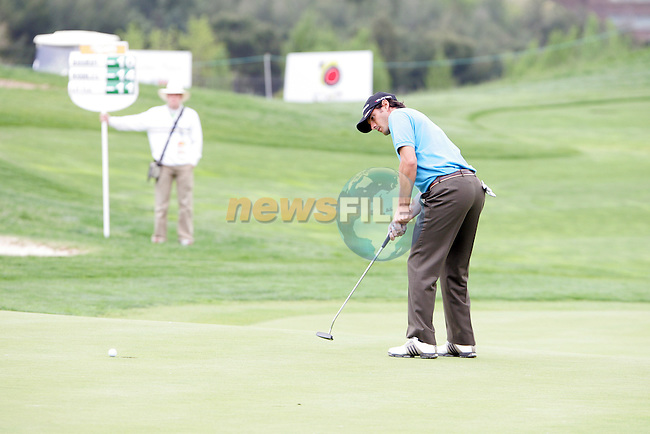 Carlos Rodiles misses his eagle putt on the 16th hole in the final round of the Open de Espana in Madrid..Photo NEWSFILE/Manus O'Reilly.(Photo credit should read Manus O'Reilly/NEWSFILE)....This Picture has been sent you under the condtions enclosed by:.Newsfile Ltd..The Studio,.Millmount Abbey,.Drogheda,.Co Meath..Ireland..Tel: +353(0)41-9871240.Fax: +353(0)41-9871260.GSM: +353(0)86-2500958.email: pictures@newsfile.ie.www.newsfile.ie.FTP: 193.120.102.198..