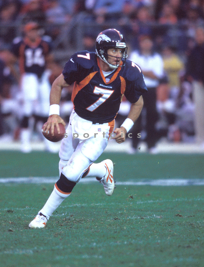 Denver Bronco, John Elway (7) in action against the Jacksonville Jaguars on October 25, 1998 at Mile High Stadium. The Broncos beat the Jaguars 37-24.