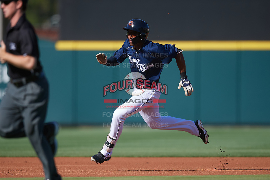 Lakeland Flying Tigers center fielder Derek Hill (18) runs the bases on a triple during the first game of a doubleheader against the Bradenton Marauders on April 11, 2018 at Publix Field at Joker Marchant Stadium in Lakeland, Florida.  Lakeland defeated Bradenton 5-4.  (Mike Janes/Four Seam Images)