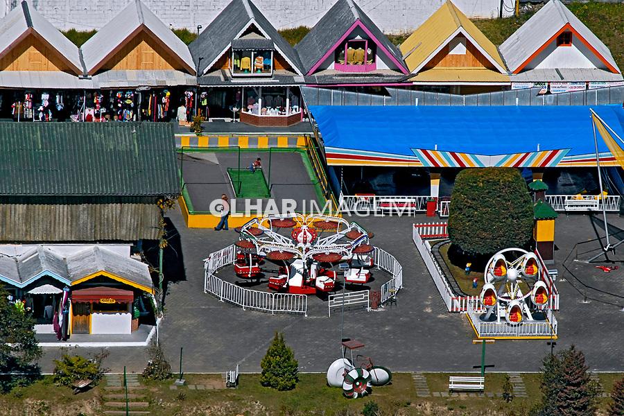 Parque infantil em Vila Capivari. Campos do Jordão. São Paulo. 2006. Foto de Juca Martins.