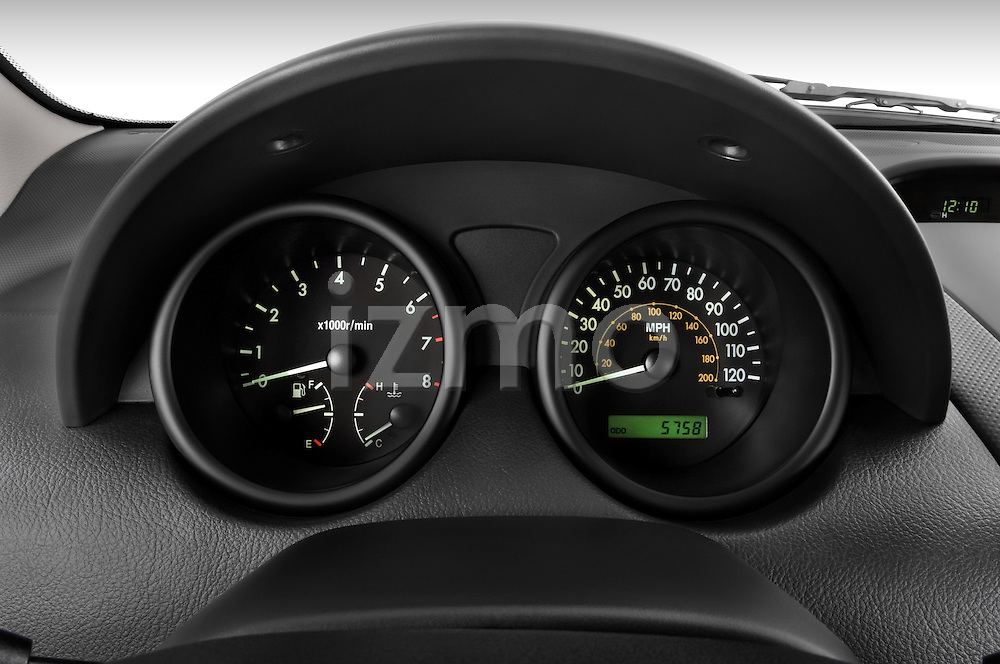 Instrument panel close up detail view of a 2008 Chevrolet Aveo 5 LS