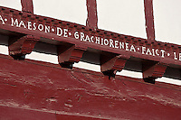 Europe/France/Aquitaine/64/Pyrénées-Atlantiques/Pays-Basque/Ainhoa: Maisons labourdines du village - Maison Gorritia détail inscription