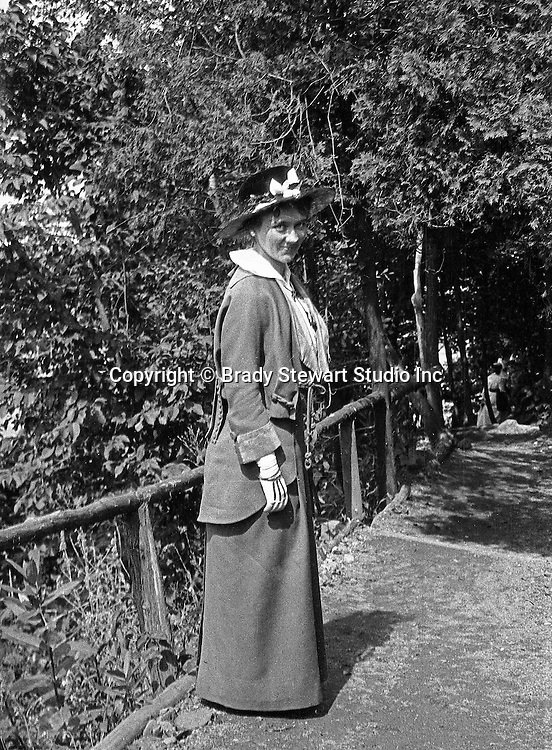 Niagara Falls, New York:  Sarah Stewart walking down the Table Rock path to view the Horseshoe Falls - 1914