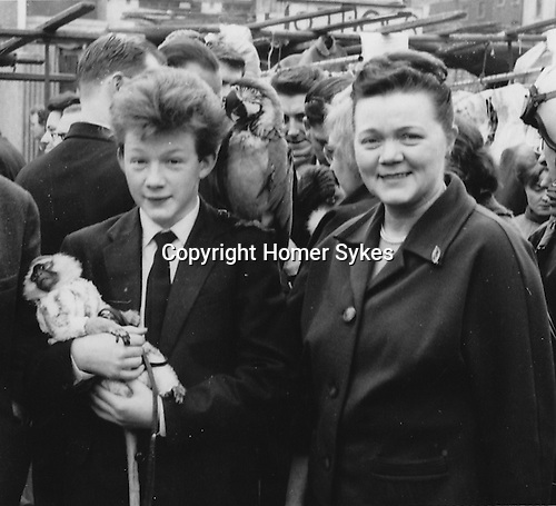 HWS 1963 aged 14 yrs with mother Helen Elsie Sykes Petticoat lane London