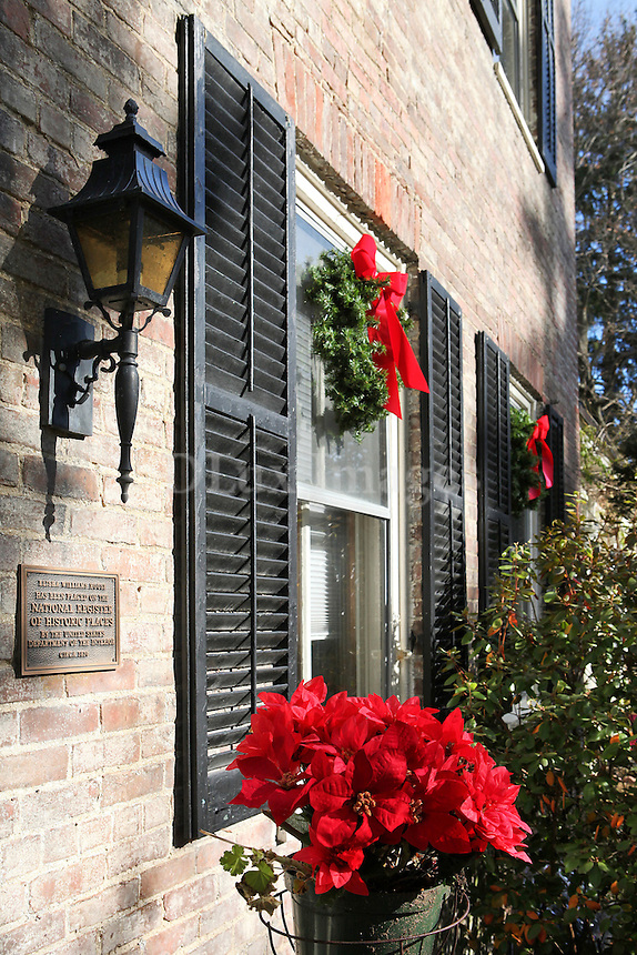 "christmas decorated windows..""Elisha Williams House"" was built in 1810 in Hudson, USA. It's a brick federal style building protected by the government as a national museum. Spyros Kiriakidis bought it and renovated it on the condition to occasionally have it open to the public."