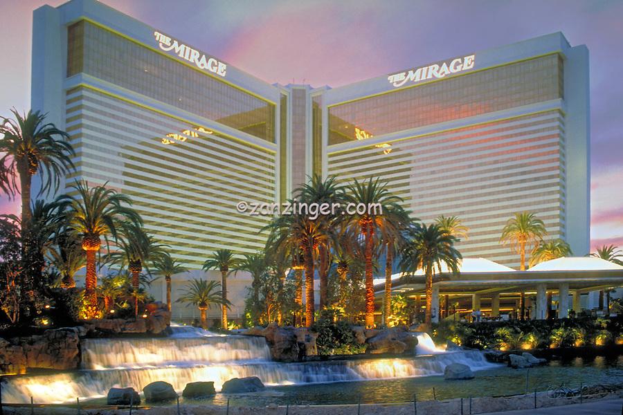 Mirage,  Las Vegas, Fountain, Pool, Resort, lit at night, Casinos; Hotels; Strip; gambling; shopping, Dramatic Breathtaking Photo